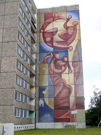 Dresden plattenbauten und postmoderne in der ddr 60er bis 80er jahre - Wandbild familie ...